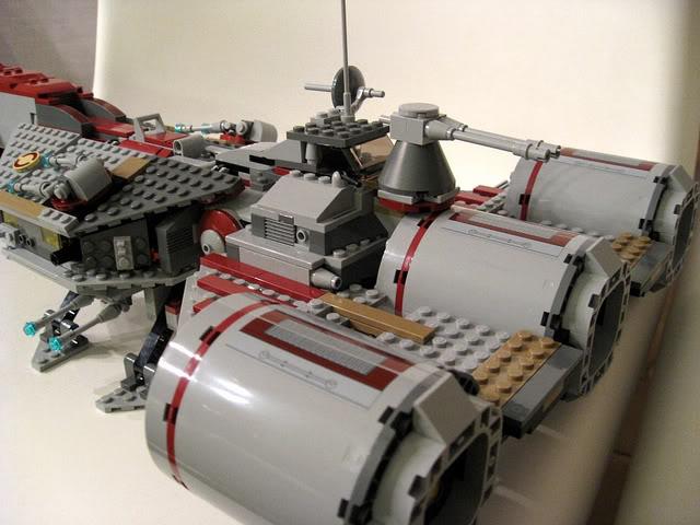 LEGO STAR WARS - 7964 - Frégate de la république 2124