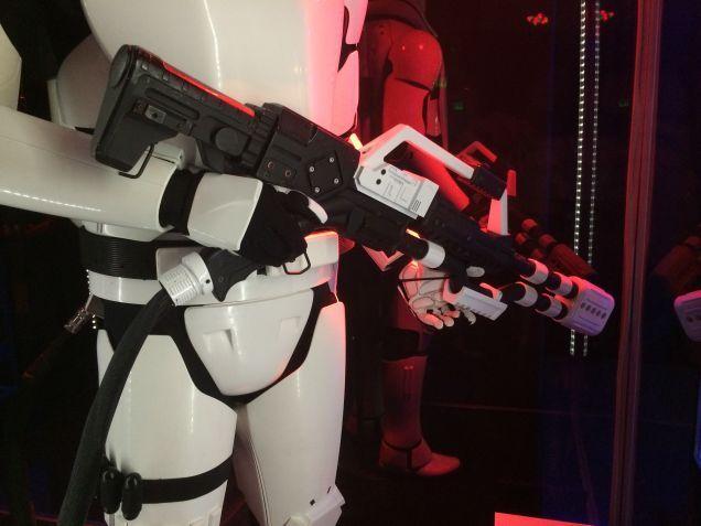 7 - Costumes & Maquettes Star Wars Le Réveil de la Force 2226