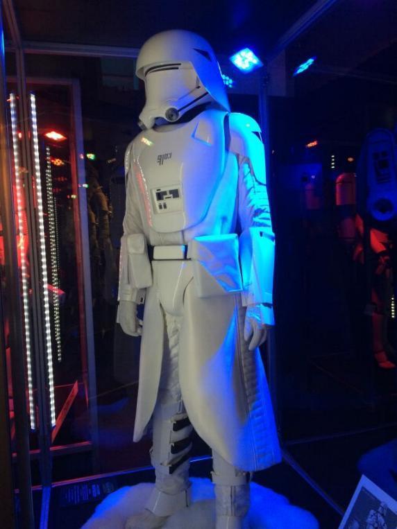 7 - Costumes & Maquettes Star Wars Le Réveil de la Force 2517