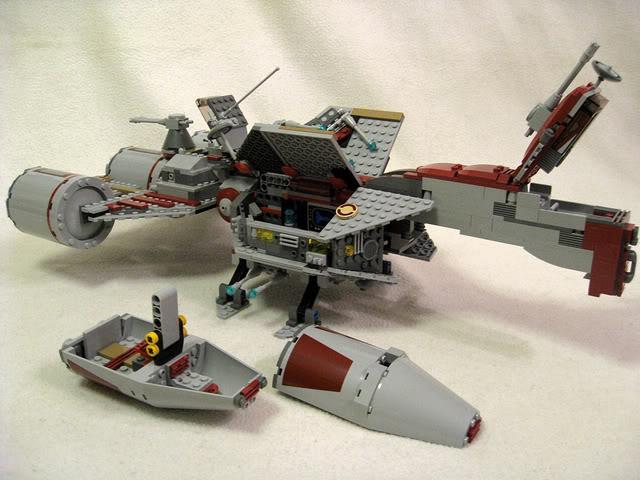 LEGO STAR WARS - 7964 - Frégate de la république 2618