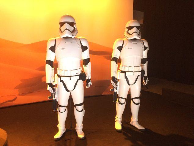 7 - Costumes & Maquettes Star Wars Le Réveil de la Force 2918
