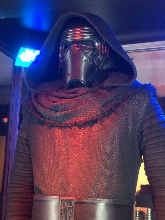 7 - Costumes & Maquettes Star Wars Le Réveil de la Force 3616