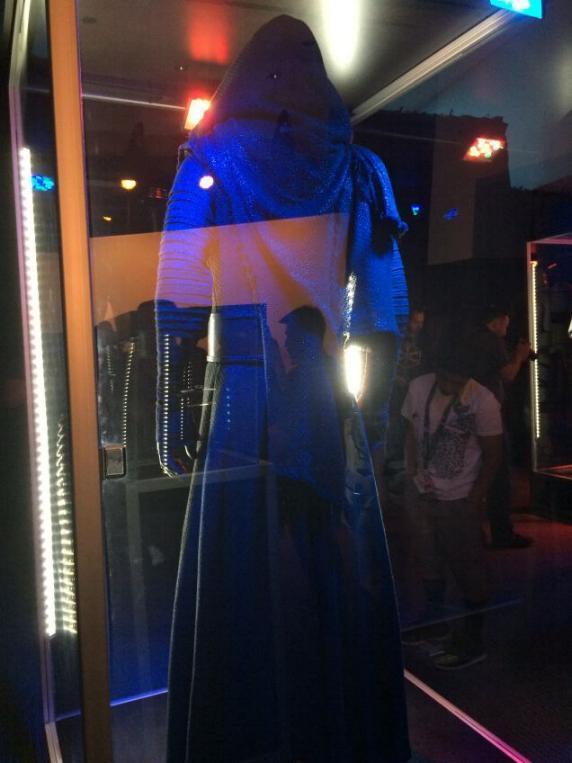 7 - Costumes & Maquettes Star Wars Le Réveil de la Force 3714