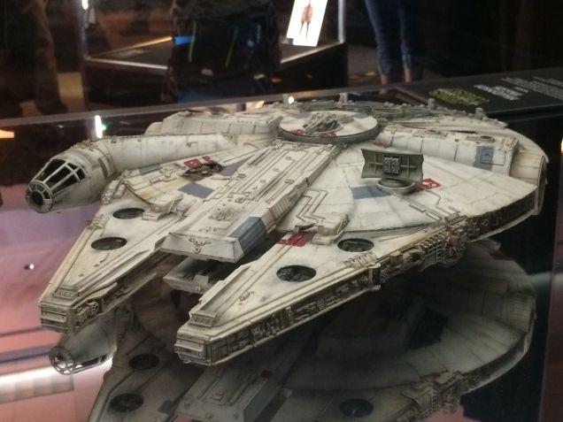 7 - Costumes & Maquettes Star Wars Le Réveil de la Force 4212
