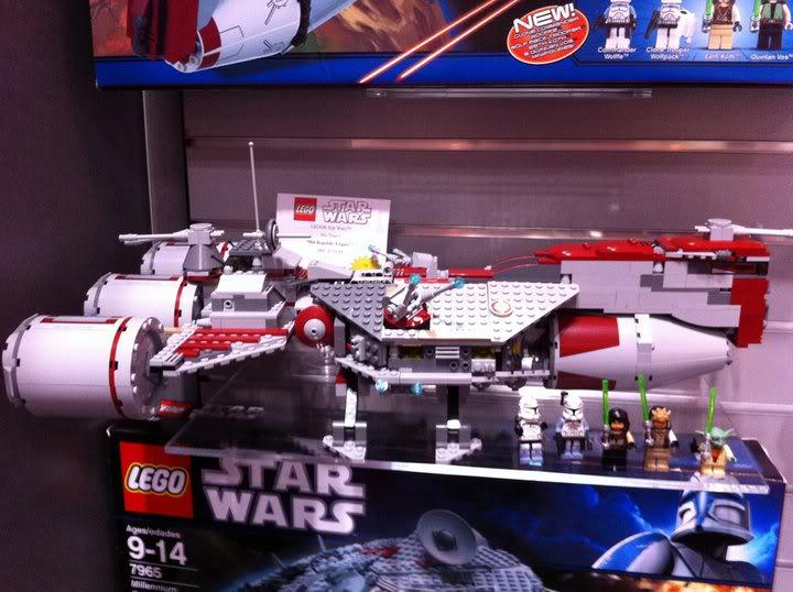 LEGO STAR WARS - 7964 - Frégate de la république 7964_010