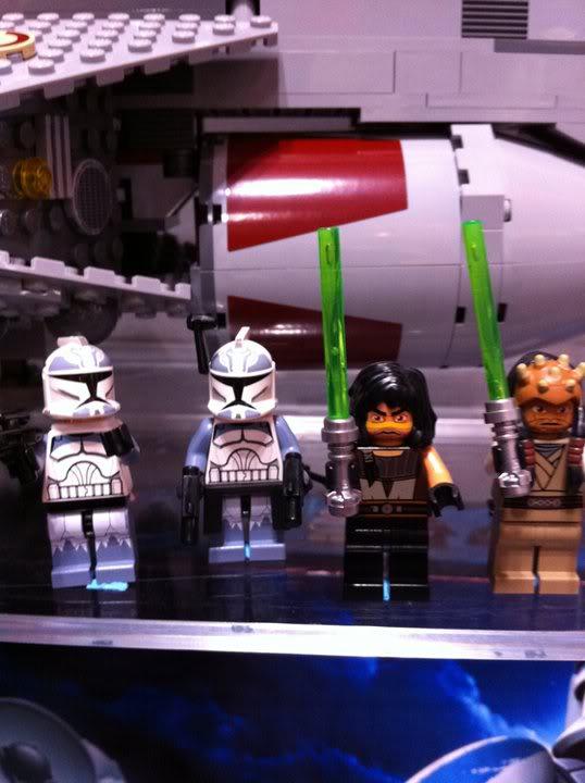LEGO STAR WARS - 7964 - Frégate de la république 7964_011
