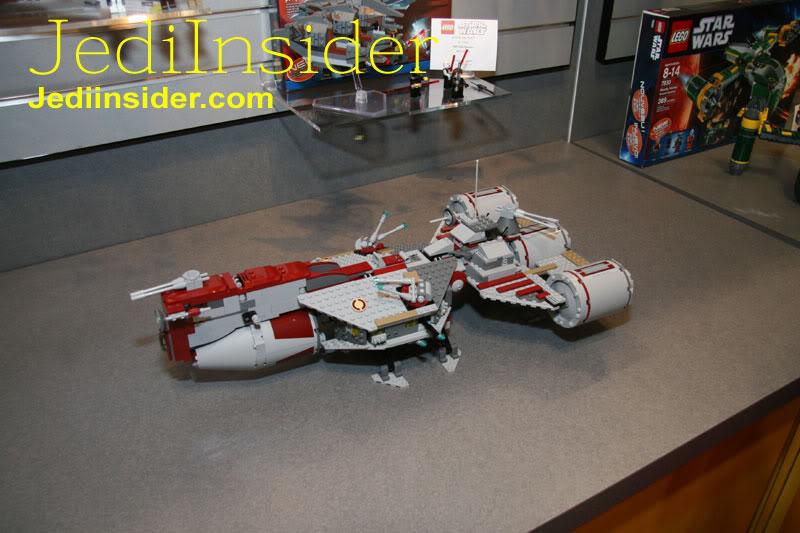 LEGO STAR WARS - 7964 - Frégate de la république 7964_013