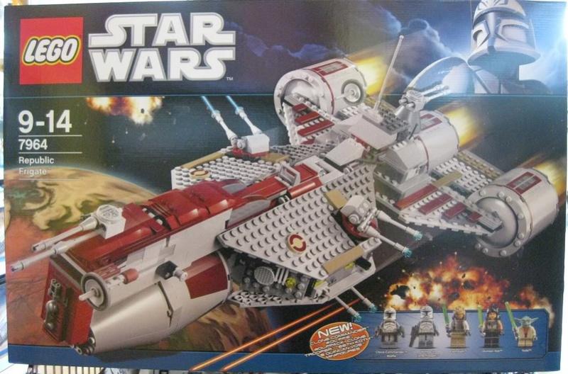 LEGO STAR WARS - 7964 - Frégate de la république 7964_017
