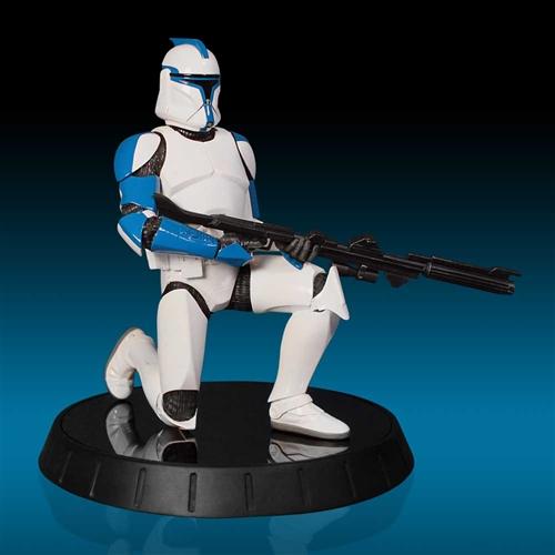 GG - Blue Clone Trooper Statue Bluecl10
