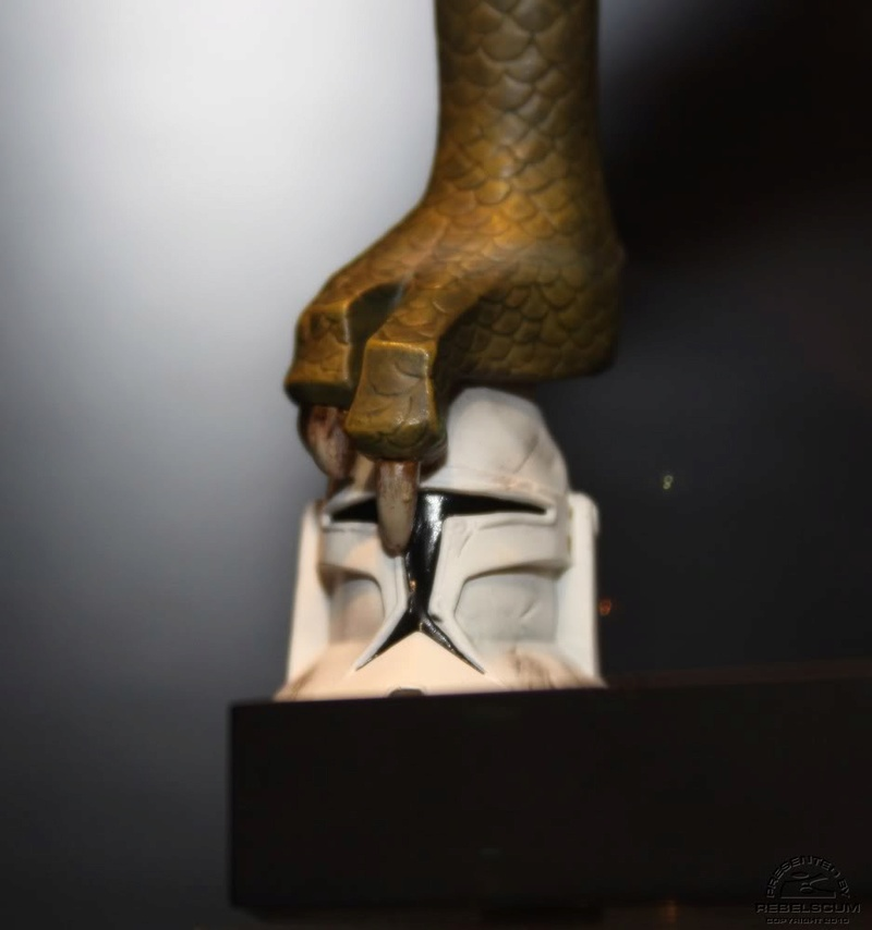 Gentle Giant - BOSSK - Animated Maquette Bossk011