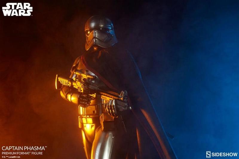 Sideshow collectibles - Captain Phasma Premium Format Figure Captai17