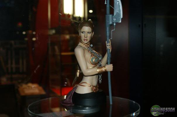 Gentle Giant - Leia Slave Buste  Comic-10
