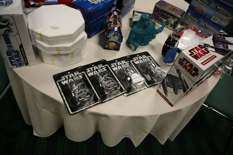 Star Wars Celebration V - Page 4 Cv2110