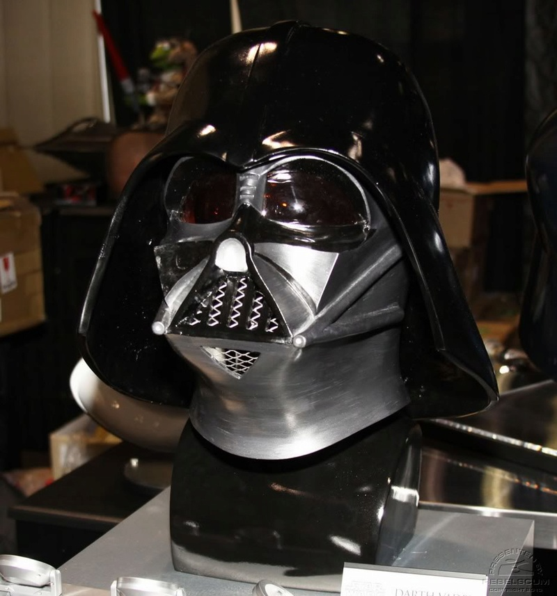eFX - DARTH VADER HELMET LEGEND - EPISODE IV: A NEW HOPE Cv3810