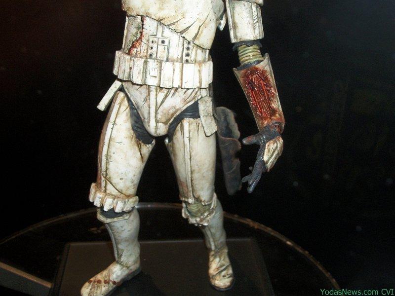 Gentle Giant - Death Trooper Deluxe Statue Death013