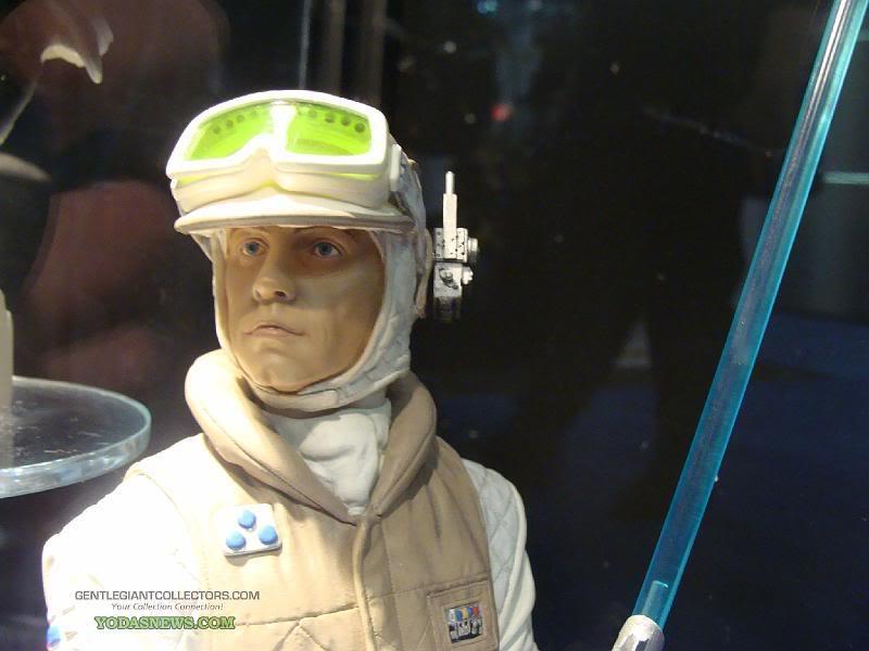 Gentle Giant -Han solo, Luke Skywalker & Leia Hoth mini-bust Dsc04010