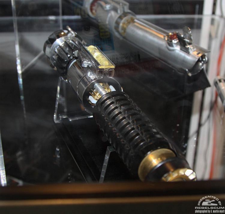 """eFX - Obi-Wan KENOBI - Ep. IV - """"Reveal"""" LightSaber Efxobi14"""