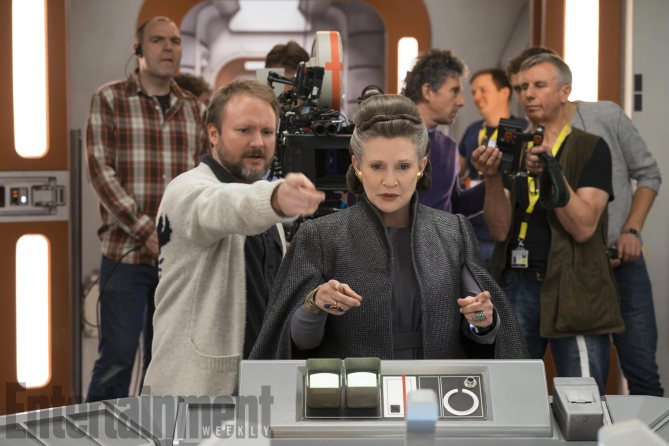 8 - Les NEWS Star Wars Episode VIII - The Last Jedi - Page 15 Ew0910