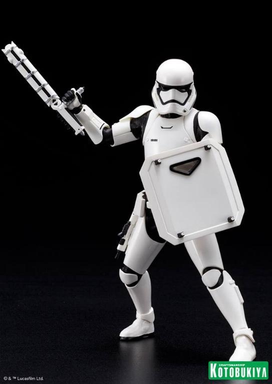 Kotobukiya Star Wars First Order Stormtrooper FN-2199 ARTFX+ Fn219916