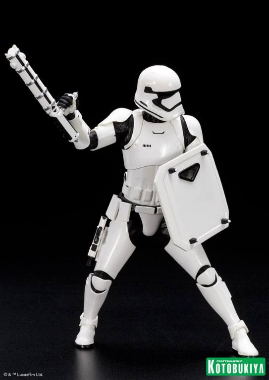 Kotobukiya Star Wars First Order Stormtrooper FN-2199 ARTFX+ Fn219917