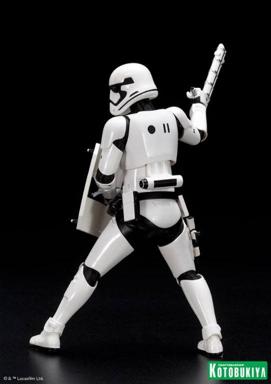 Kotobukiya Star Wars First Order Stormtrooper FN-2199 ARTFX+ Fn219918
