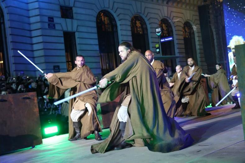 Star Wars envahit les vitrines des Galeries Lafayette  Galeri13