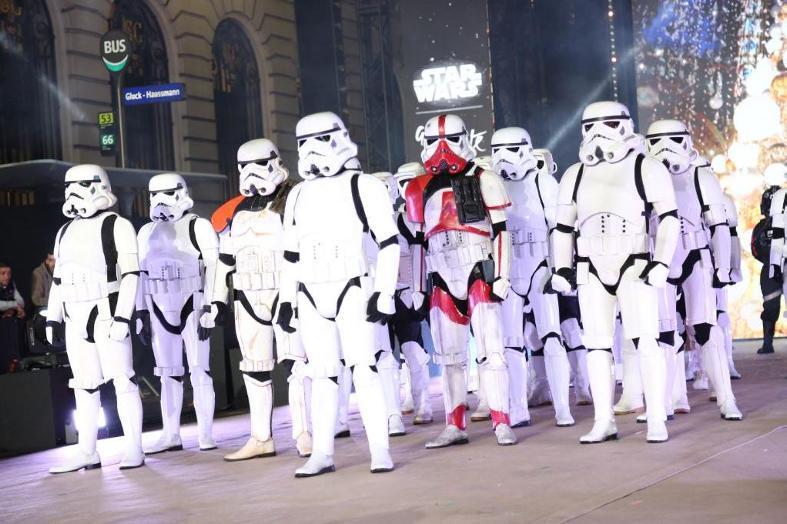 Star Wars envahit les vitrines des Galeries Lafayette  Galeri16