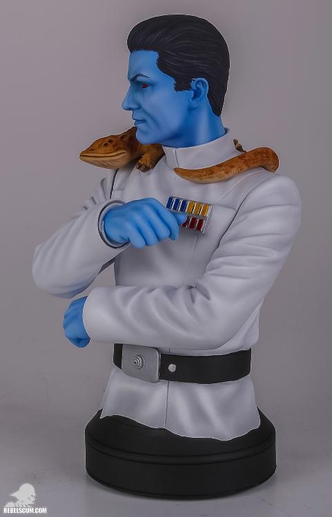 Gentle Giant: Grand Admiral Thrawn Mini Bust Grand_15