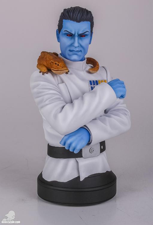Gentle Giant: Grand Admiral Thrawn Mini Bust Grand_16