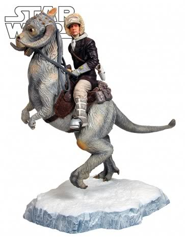 Gentle Giant - Han Solo on Tauntaun Diorama Hansol10