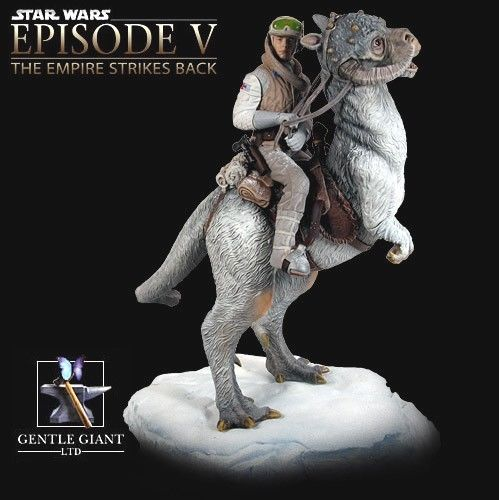 Gentle Giant - Han Solo on Tauntaun Diorama Hansol11