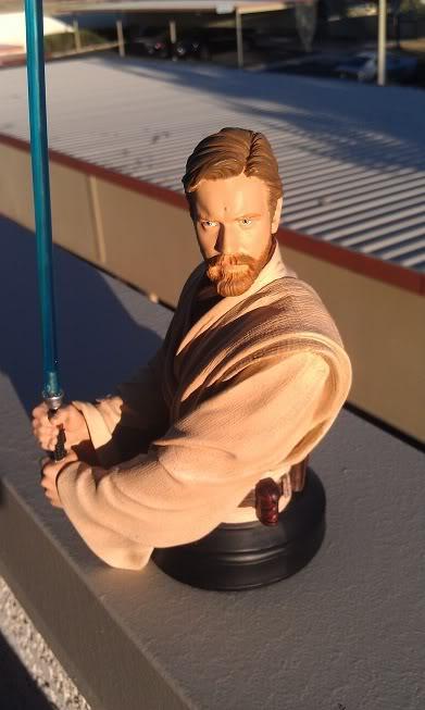 Gentle Giant - Star Wars Episode 3 Obi-Wan Kenobi Bust  Imag0010