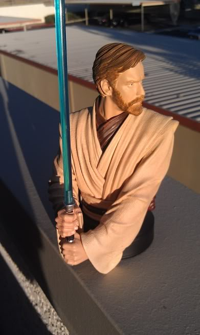 Gentle Giant - Star Wars Episode 3 Obi-Wan Kenobi Bust  Imag0012