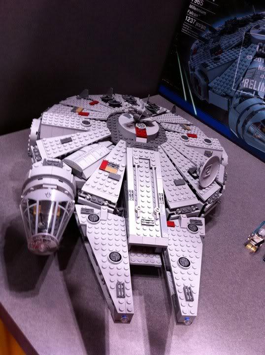 LEGO STAR WARS - 7965 - Millennium Falcon  Img_2021