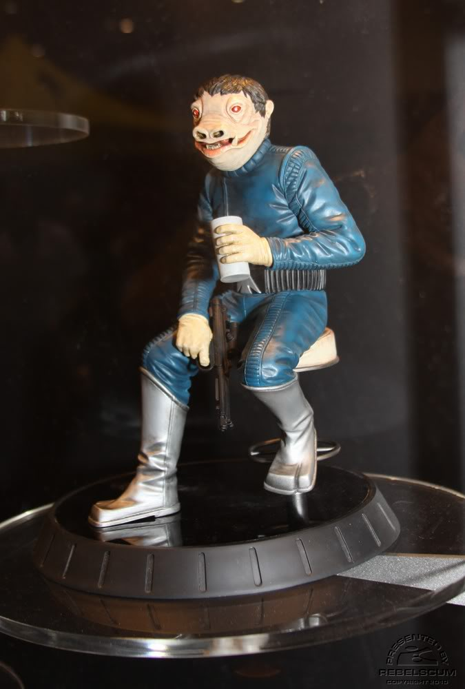 Gentle Giant - PGM Exclusive Blue Snaggletooth Statue - Page 2 Img_4510