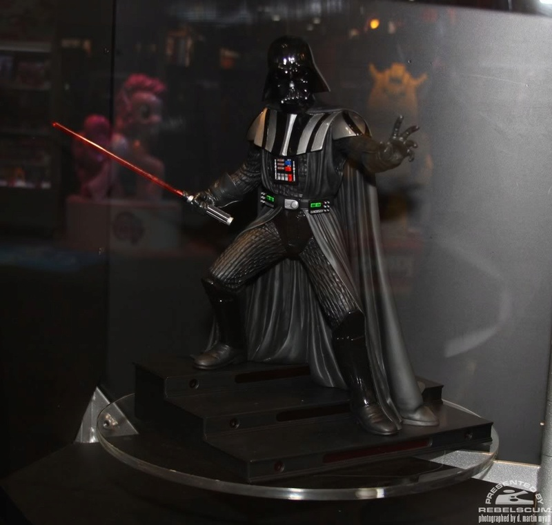 Gentle Giant - Statue darth vader ESB (2011) - Page 2 Img_9610