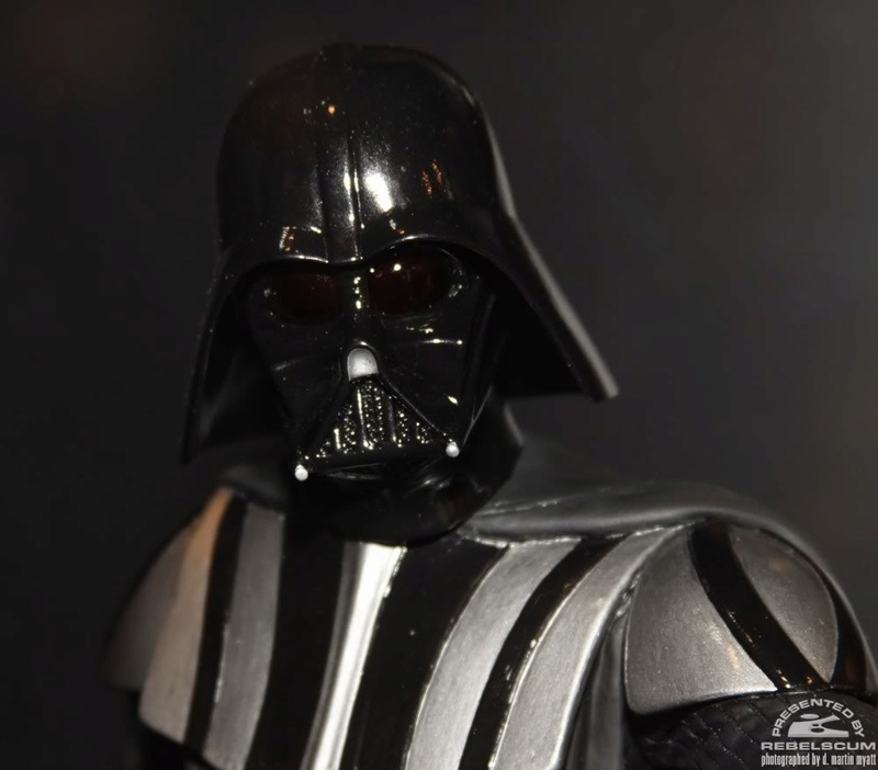 Gentle Giant - Statue darth vader ESB (2011) - Page 2 Img_9612