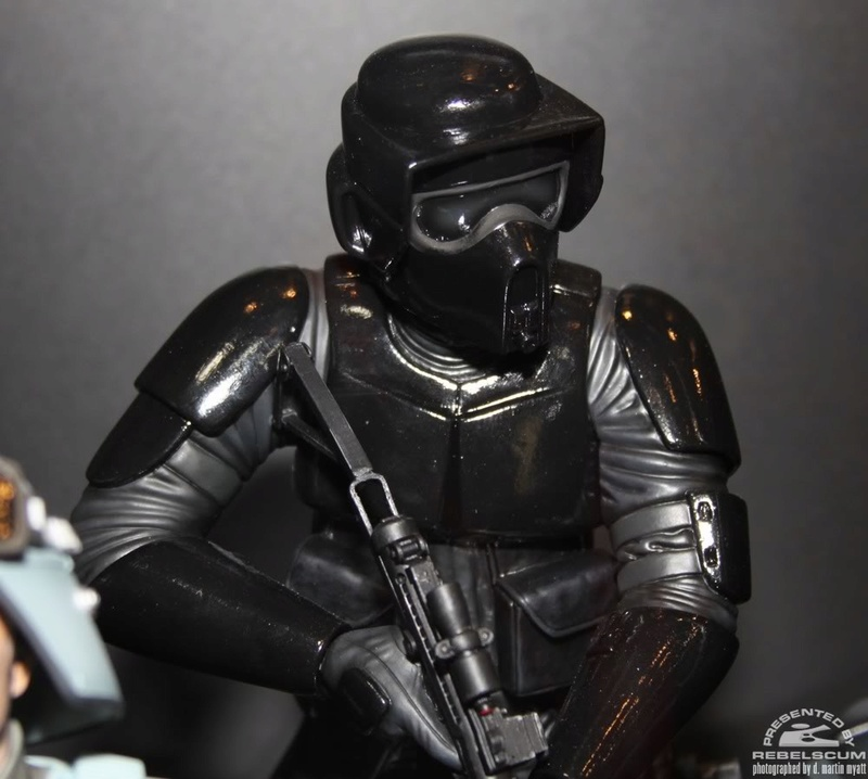 Gentle Giant - Imperial Storm Commando  PGM - Mini-Bust - Page 2 Img_9636