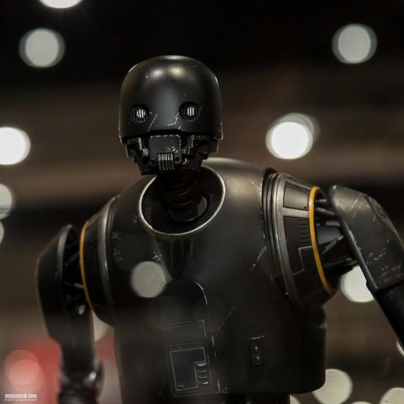Sideshow Collectibles - K-2SO Premium Format Figure K2s0_p11