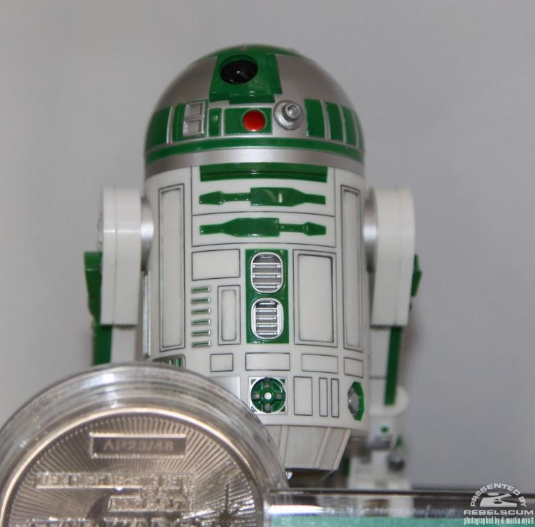 Kotobukiya - R2-A6 ARTFX+ Statue Star Wars Celebration VI  Kotor211