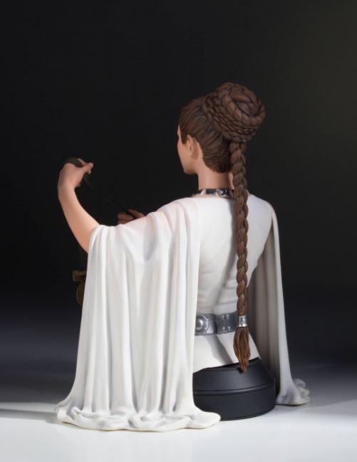 Gentle Giant - Leia Hero of Yavin Mini-Bust Leia_h10