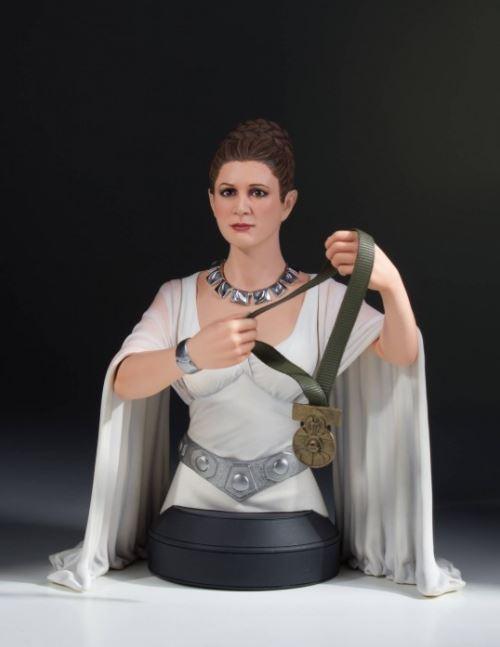 Gentle Giant - Leia Hero of Yavin Mini-Bust Leia_h14