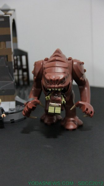 LEGO STAR WARS - 75005 - Rancor Pit Rancor14
