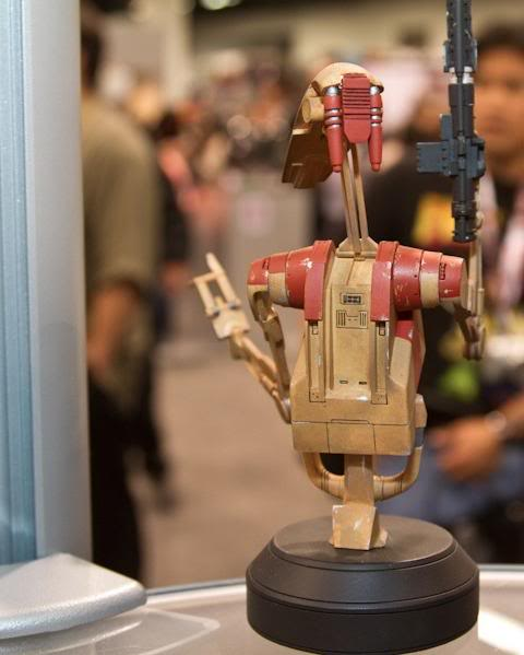 Gentle Giant - Red OOM Security Battle Droid - Minibust Red0210
