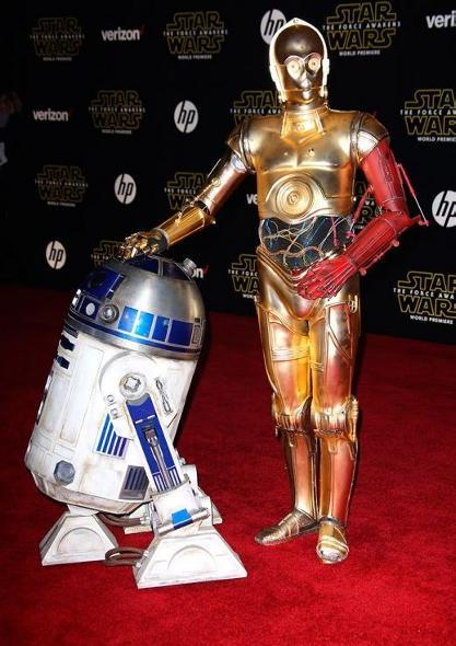 7 - Star Wars The Force Awakens - Les premières Red_0610