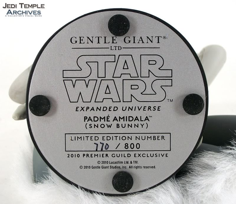 Gentle Giant - Padme Snow mini bust Review21