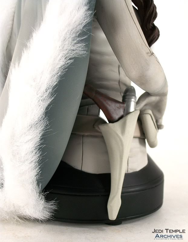 Gentle Giant - Padme Snow mini bust Review22