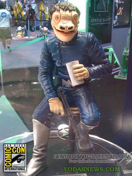 Gentle Giant - PGM Exclusive Blue Snaggletooth Statue Snagst13