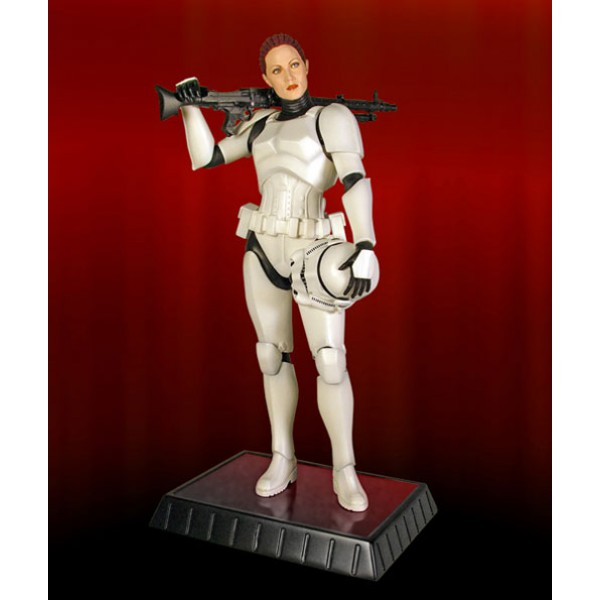 Gentle Giant - Female Stormtrooper Statue Jes Gistang Stormt18