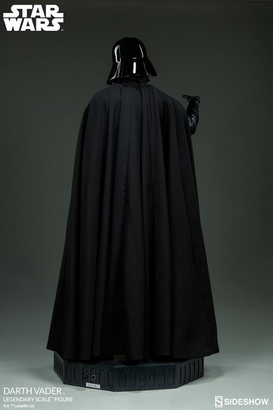 Sideshow - Darth Vader  Legendary Scale Figure Vader_13
